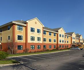 Building, Furnished Studio - Foxboro - Norton
