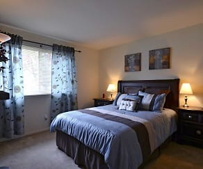 Bedroom, The Greens At Pine Hill I & II