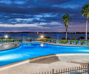 Pool, Carlton Arms Of Bradenton
