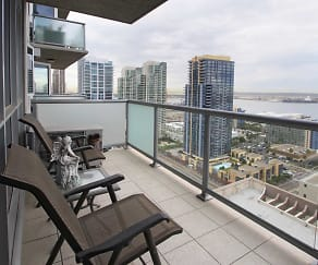 Patio / Deck, Allegro Towers