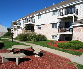 Recreation Area, Country Club Apartments