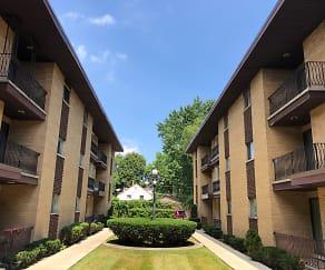 Building, Somerset Park Apartments III