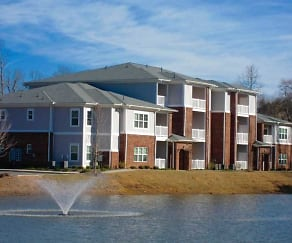 Building, Retreat at Waterside