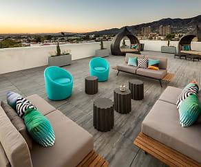 Pool, ONYX Glendale