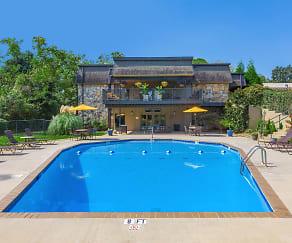Pool, Kingston Pointe Apartments