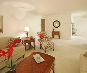 Living Room, Regency Park Apartments