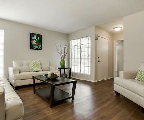 Living Room, The Creek on Calloway