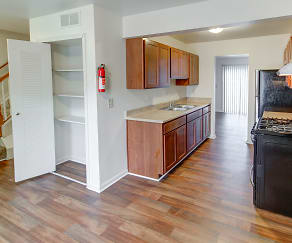 Kitchen, Midtown Park Apartments