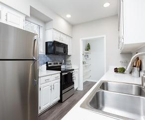 Kitchen, Parc at 980