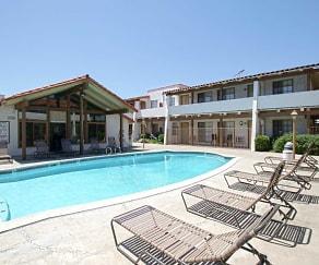 Pool, Las Casas