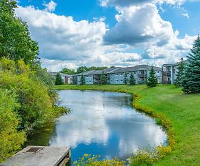 Shady Lake Apartments