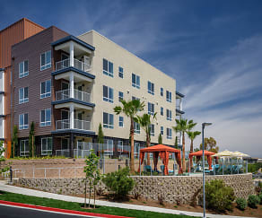 Conveniently located above the Aliso Viejo Town Center and minutes from the 73, Vantis Apartments
