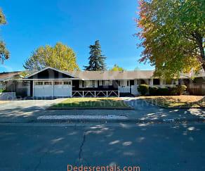 3868 Shadowhill Drive, Saint Helena, CA
