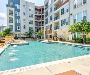 Pool, The Parc at White Rock Apartments