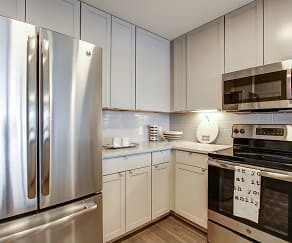 Kitchen, 4th & Park