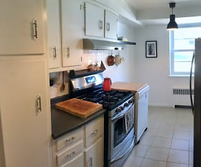 Kitchen, 24 Hutton Ave. #80