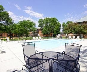 Pool, Embassy Park