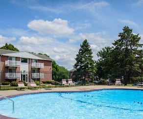 Pool, Harrisburg