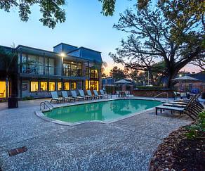Pool, Chateaux Dijon Apartments