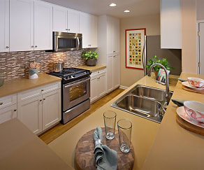 Kitchen, The Villas at Bair Island Marina