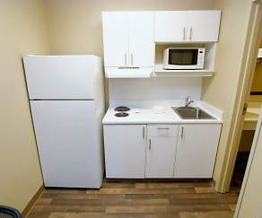 Kitchen, Furnished Studio - Winston-Salem - Hanes Mall Blvd.