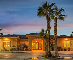 Miraflores Luxury Apartments, Calexico, CA