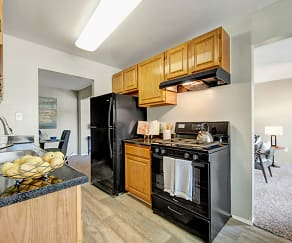 Kitchen, Peppertree Farm & Cinnamon Run at Peppertree Farm Apartments