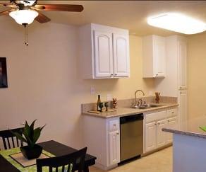 Dining Room, Lakeside Condominiums