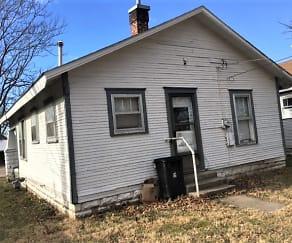 Building, 1203 S. Elm