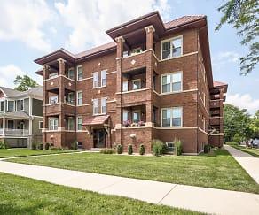 Building, Oak Park Residence Corporation Apartments