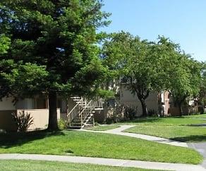 Building, Lincoln Glen Apartments