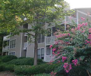 Building, Silver Creek Apartments