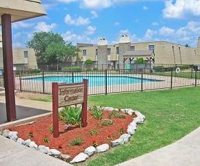 Pool, Cinnamon Square