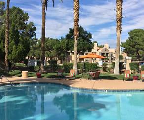 Pool, Parc West