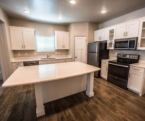 Kitchen, Greyhawk Townhomes