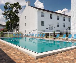 Pool, Williamsburg Village Apartments
