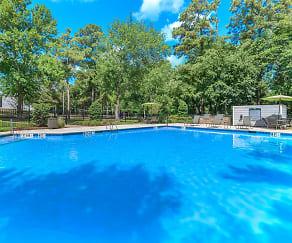 Pool, Cypress Parc