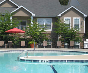 Pool, The Residences at Waterstone