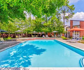 Pool, The Daphne