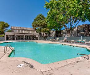 Pool, Jefferson Crossing