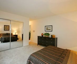 Bedroom, The Enclave Apartments