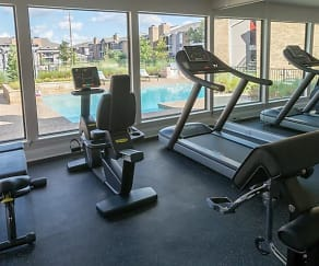 Fitness Weight Room, RedRock Apartments