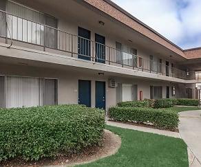 Courtyard, Huntington Highlander Apartment Homes