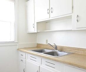 Kitchen, Latham Park Manor