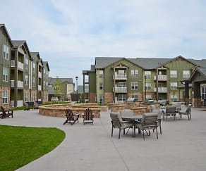 Courtyard, North Gate Apartments