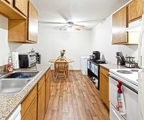 Kitchen, The Bluffs Apartments