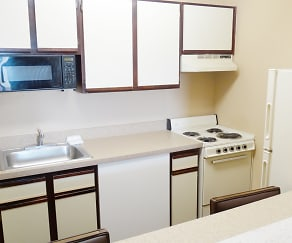 Kitchen, Furnished Studio - Chicago - Lombard - Yorktown Center