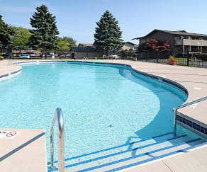 Pool, Windpoint Apartments