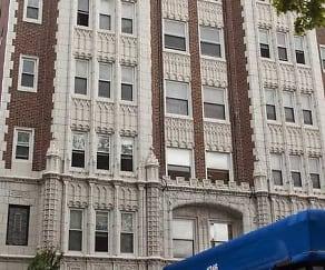 Building, 1246 W. Pratt