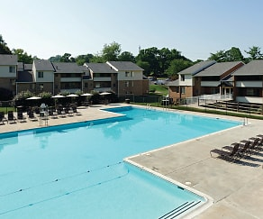 Pool, The Apartments at Saddle Brooke